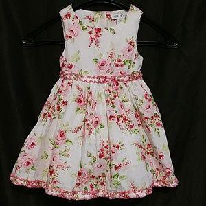 MAGGIE & ZOE Pretty Fluffy Floral dress 24 M EUC
